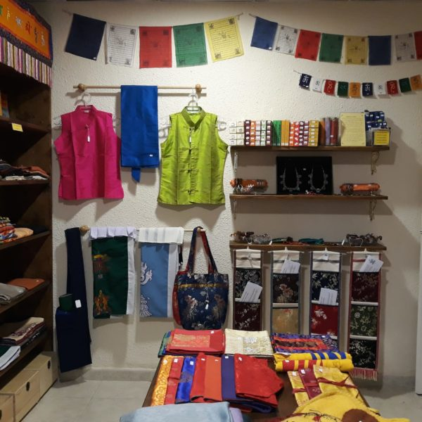 Artesanía Tibetana en Ghe Pel Ling Canarias, Tenerife - Centro de meditación y estudio de Budismo tibetano. 3